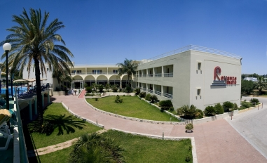 ROMANZA MARE 3* (Kallithea, Rodas), Viešbutis